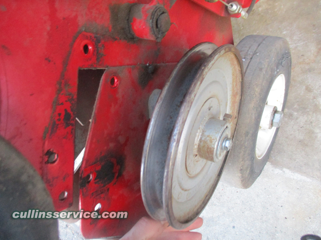 How to change blades on a overseeder Release Blades Cullins Service